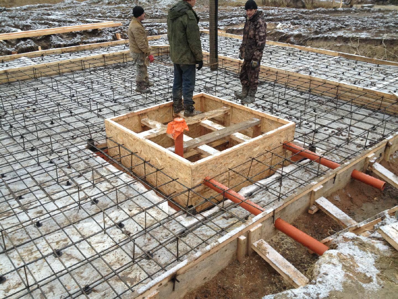 Фундамент своими руками под дом с подвалом: технология стройки