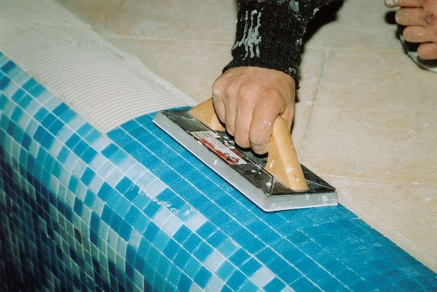 Как правильно наклеить потолочную плитку на пенопластовое основание