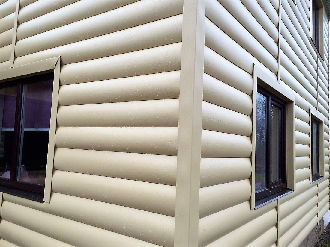 Виниловый блок хаус с имитацией бревна