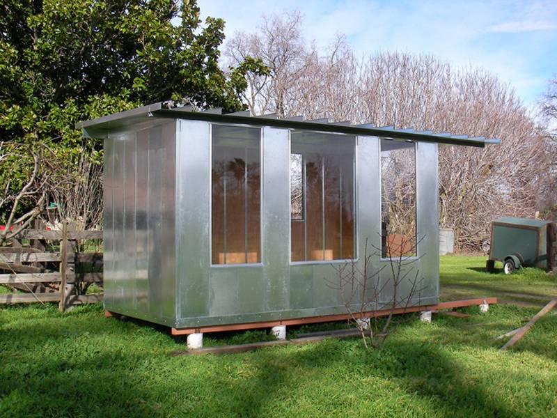 Дачный домик своими руками (54 фото): пошаговые инструкции постройки садового летнего дома для дачи по чертежам из подручных материалов. лучшие идеи