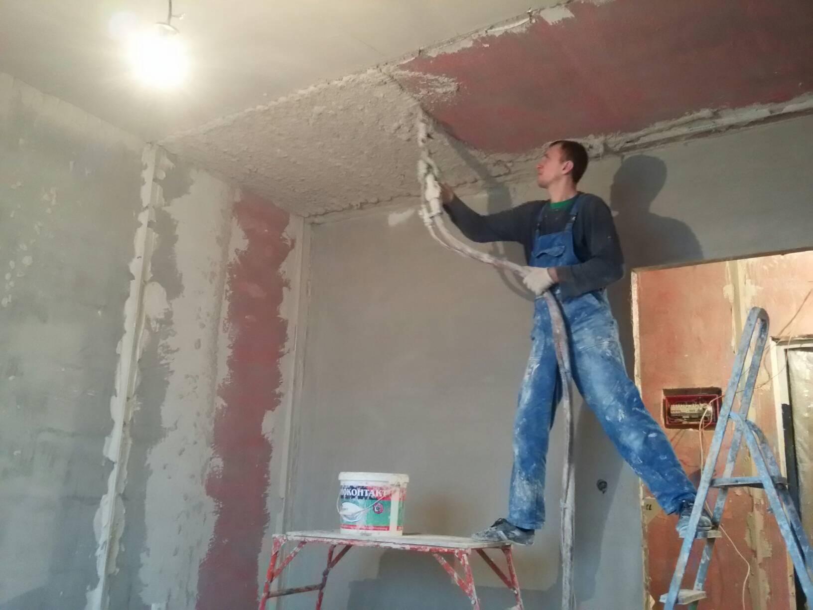 Выравнивание стен штукатуркой своими руками: правильная инструкция