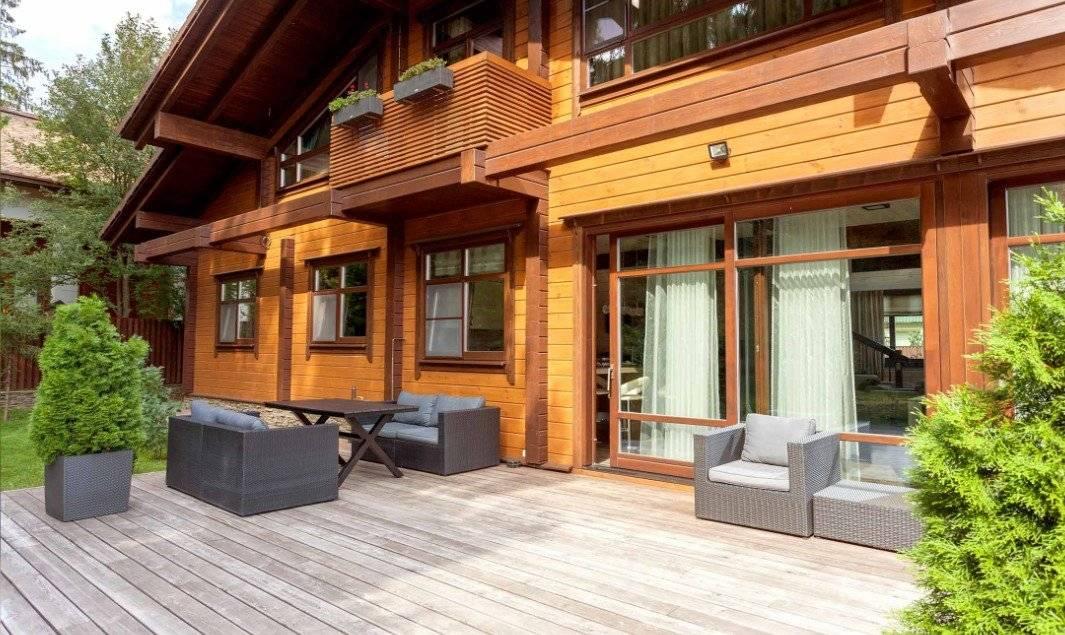 Проекты домов из бруса (100 фото): деревянные постройки для постоянного проживания, готовые чертежи брусовых конструкций с гаражом