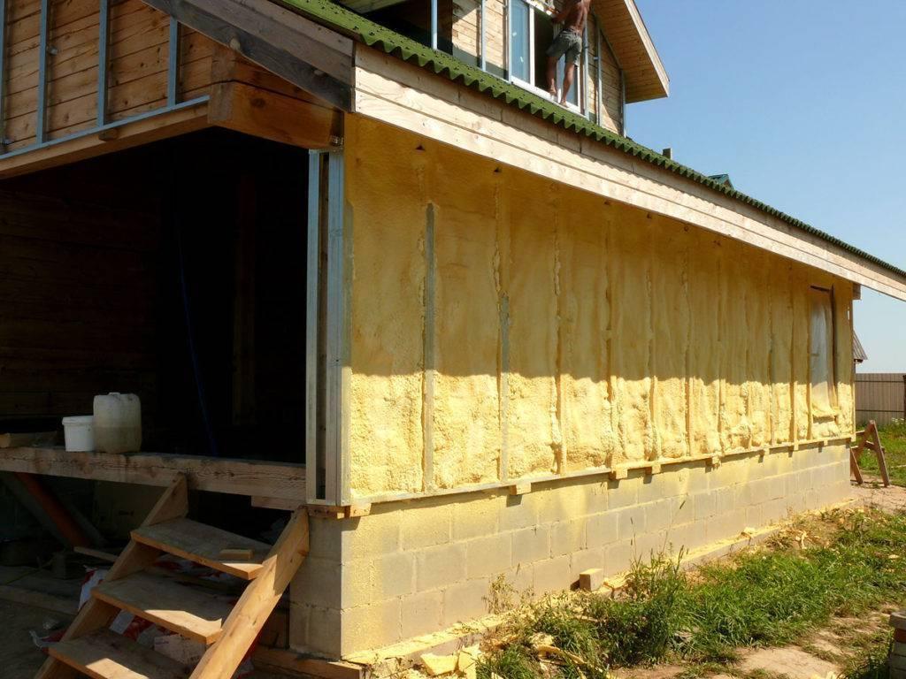 Можно ли утеплять деревянный дом пеноплексом: различные варианты