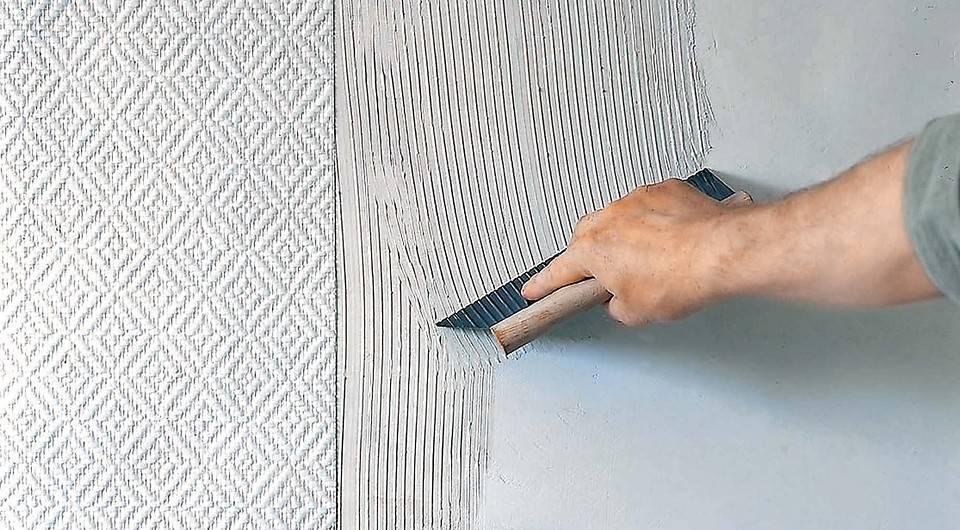 Как поклеить стеклообои на стены и как их покрасить?