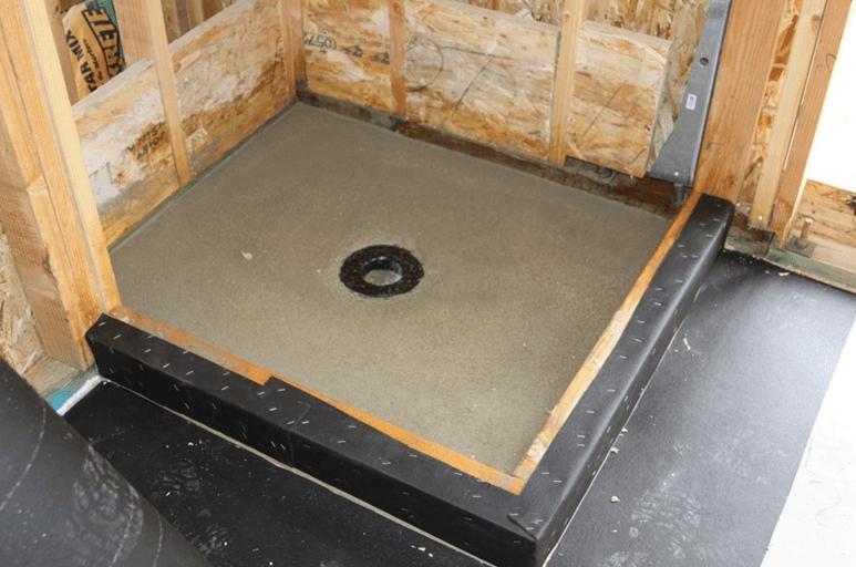 Пароизоляция и гидроизоляция потолка в деревянном перекрытии в ванной
