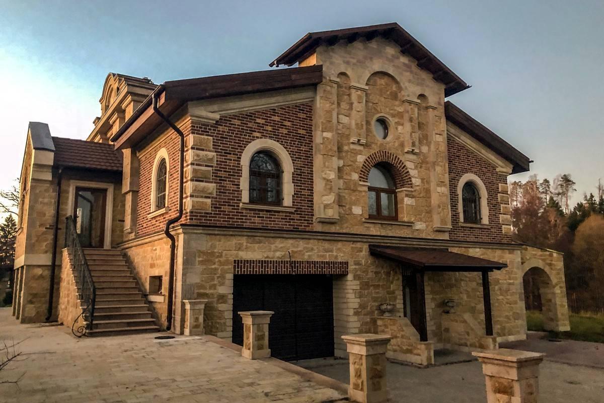 Дом из камня: проекты, строительство своими руками, красивые постройки из натуральных материалов (природного, бутового, дикого)