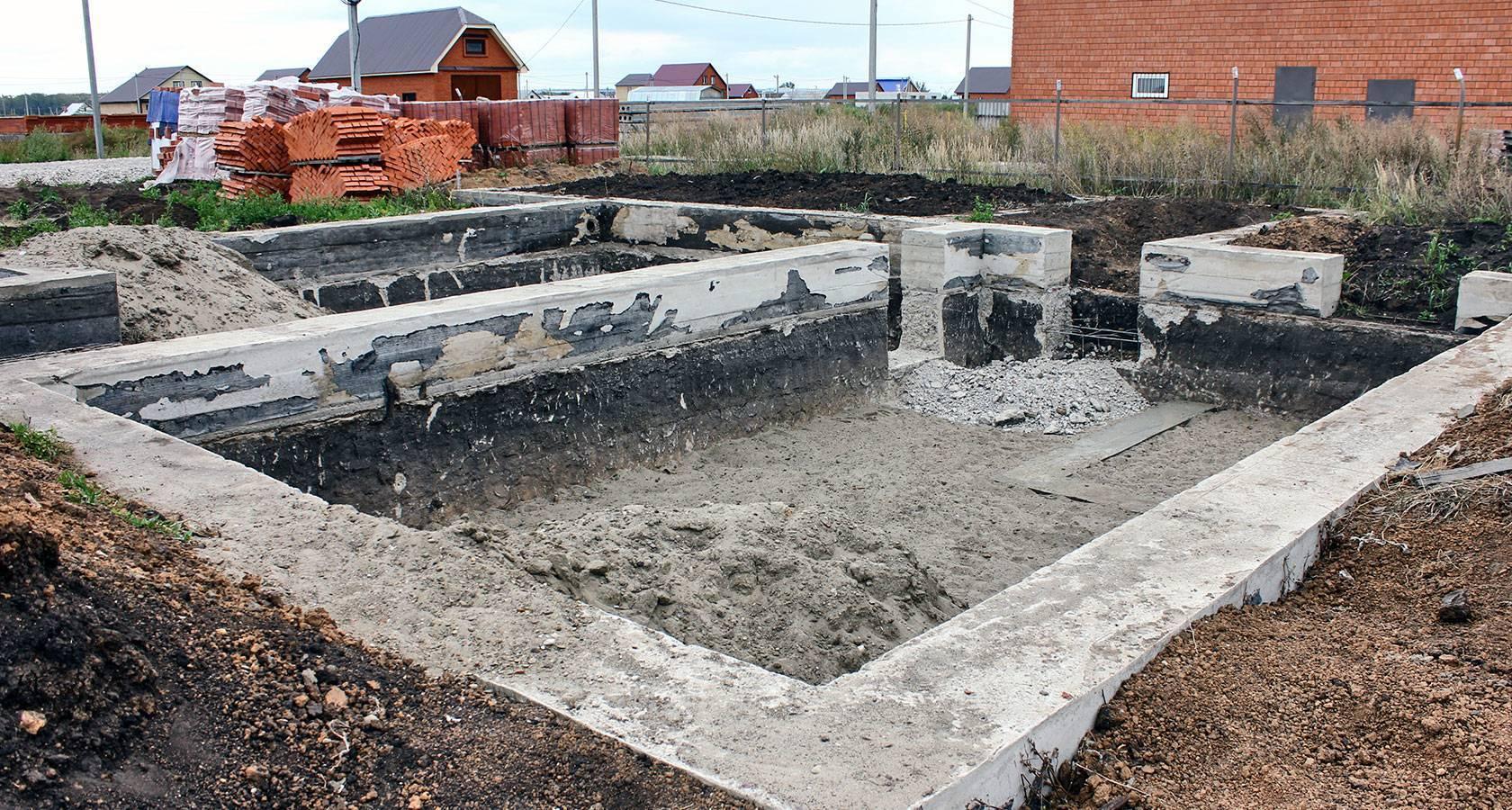 Как построить дом из керамзитобетонных блоков: от фундамента до утепления