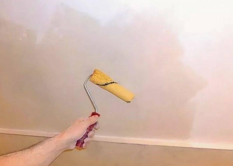 Шпаклевка потолка: как правильно зашпаклевать под покраску или обои, видео и фото