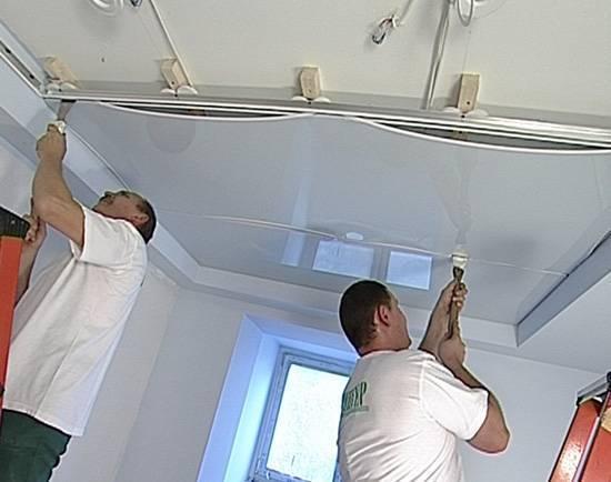 Пвх или тканевый натяжной потолок? какой лучше?