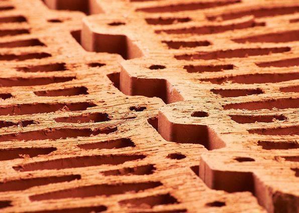 Достоинства и недостатки поризованного керамического блока