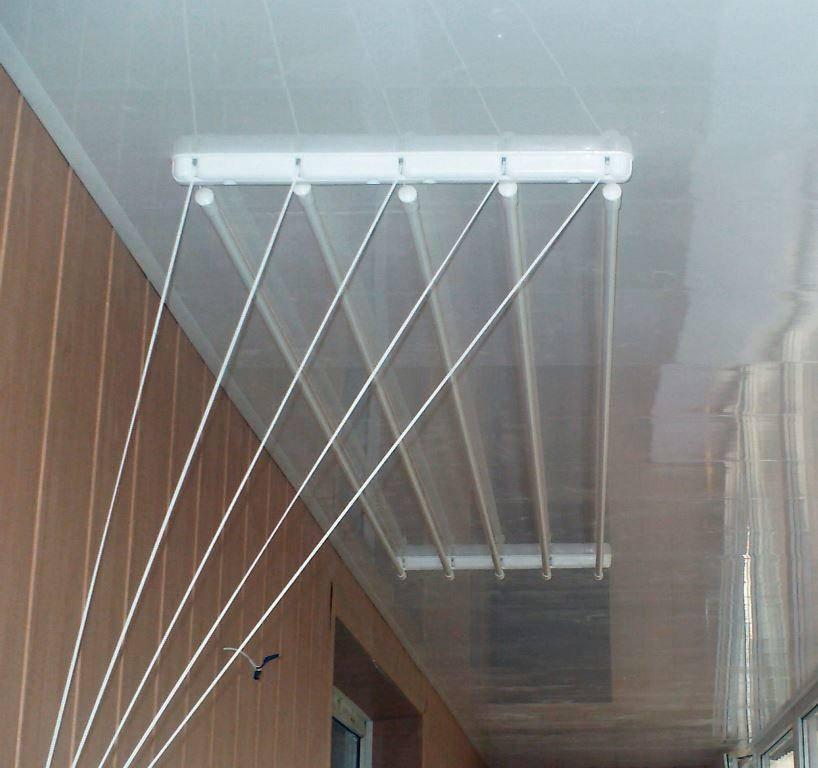 Обзор сушилок на балкон: подвесная, потолочная, складная, раздвижная, наружная и настенная