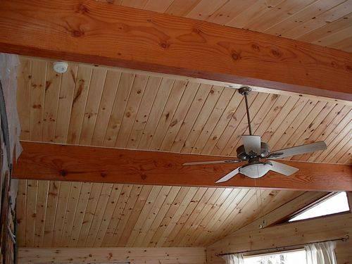 Чем обшить потолок в деревянном доме внутри — 5 наилучших вариантов