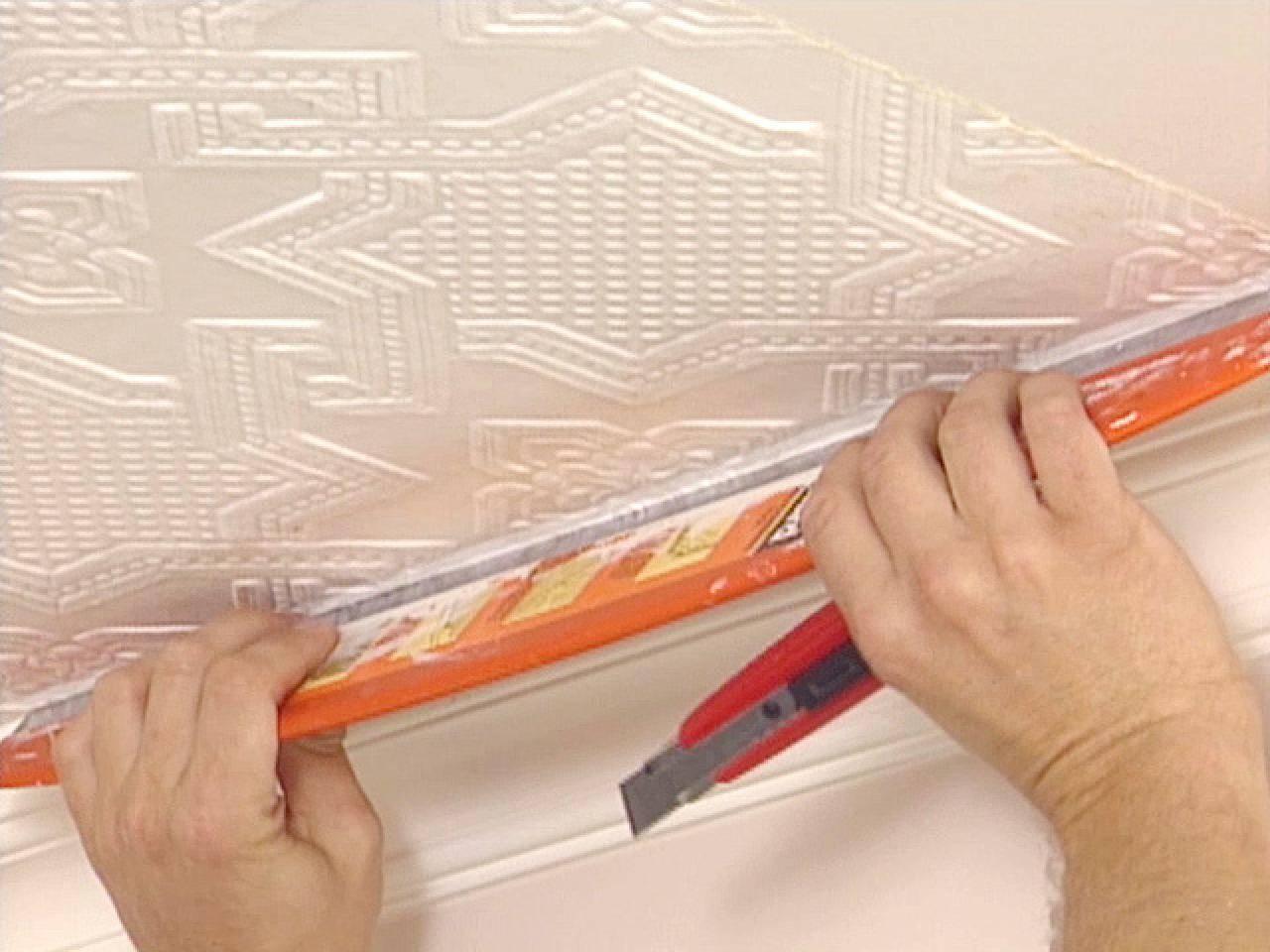 Можно ли клеить потолочную плитку на плитку и как такая идея вообще может прийти в голову