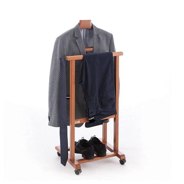 Стул-вешалка: напольные модели для одежды и встроенные в стене конструкции