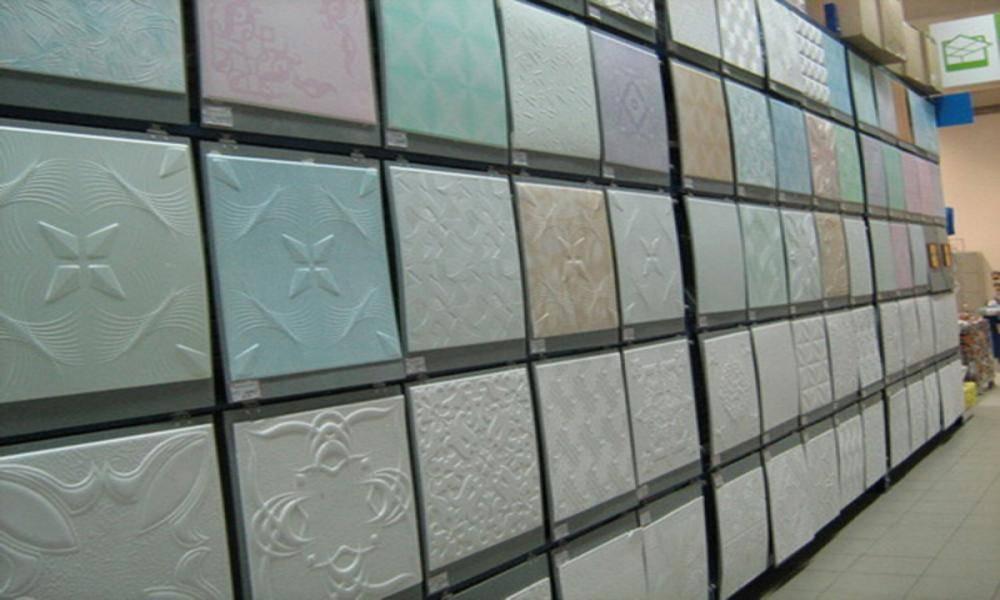 Бесшовная потолочная плитка: отличительные черты и разновидности