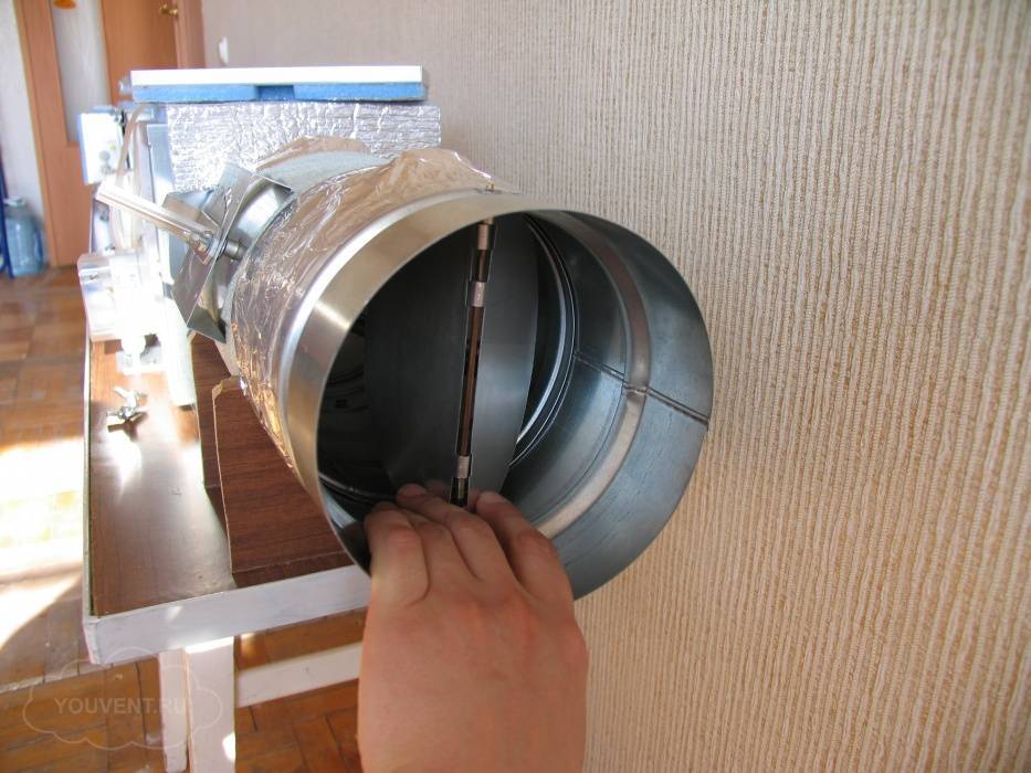 Обратный клапан на вентиляцию
