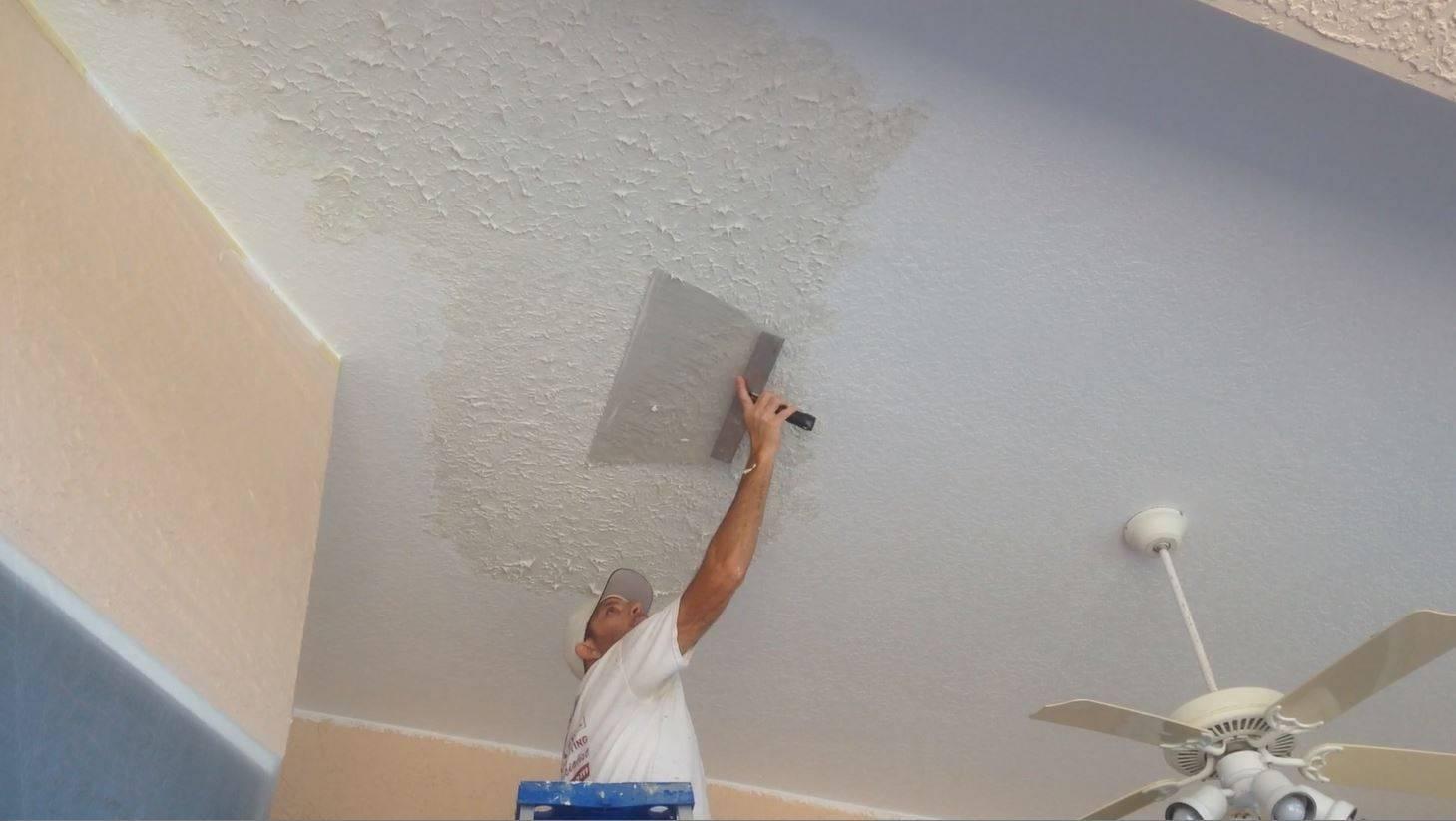Как штукатурить потолок. используемые инструменты. очистка поверхности и монтаж маяков. приготовление раствора и процесс оштукатуривания