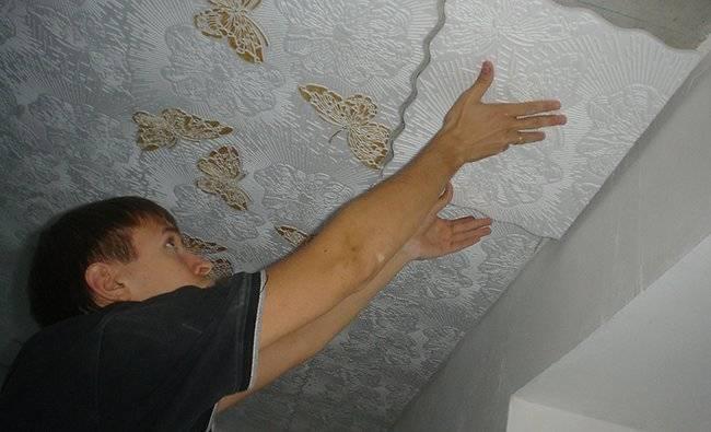 Как клеить потолочную плитку своими руками: пошаговая инструкция