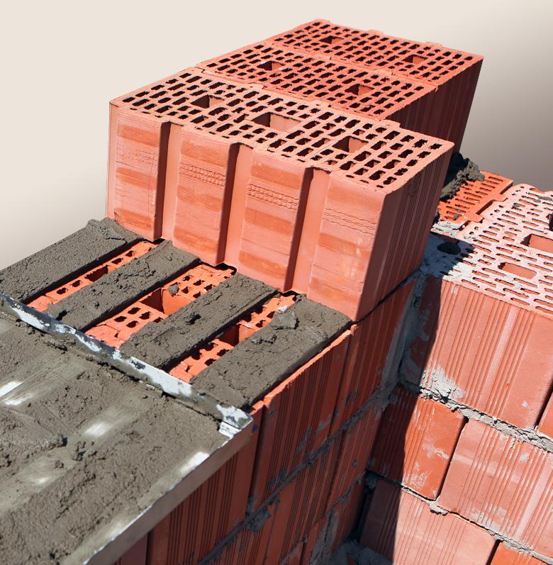 Плюсы и минусы применения керамического кирпича в строительстве
