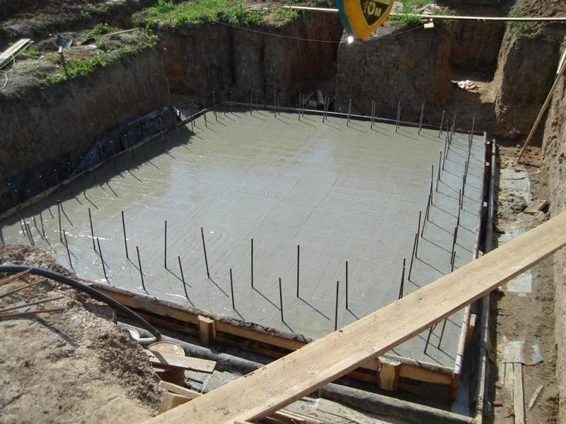 Как залить фундамент с подвалом под дом своими руками