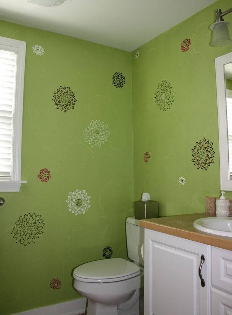 Как и чем можно покрасить потолок в ванной комнате?