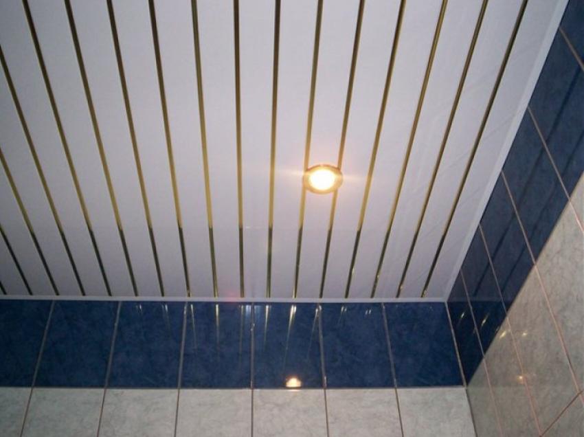 Пластиковый потолок в ванной: особенности и монтаж - ремонт и дизайн