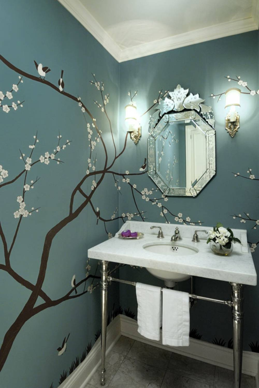 Как покрасить потолок в ванной своими руками?