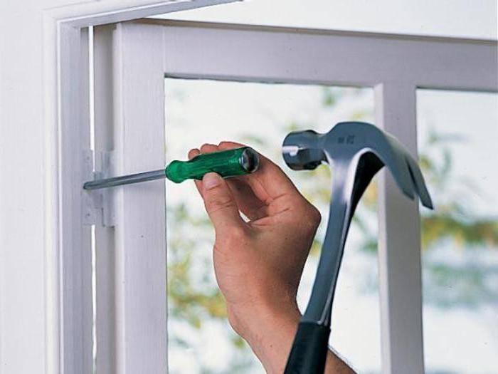 Особенности ремонта москитной сетки на пластиковом окне. виды поломок и способы их устранения