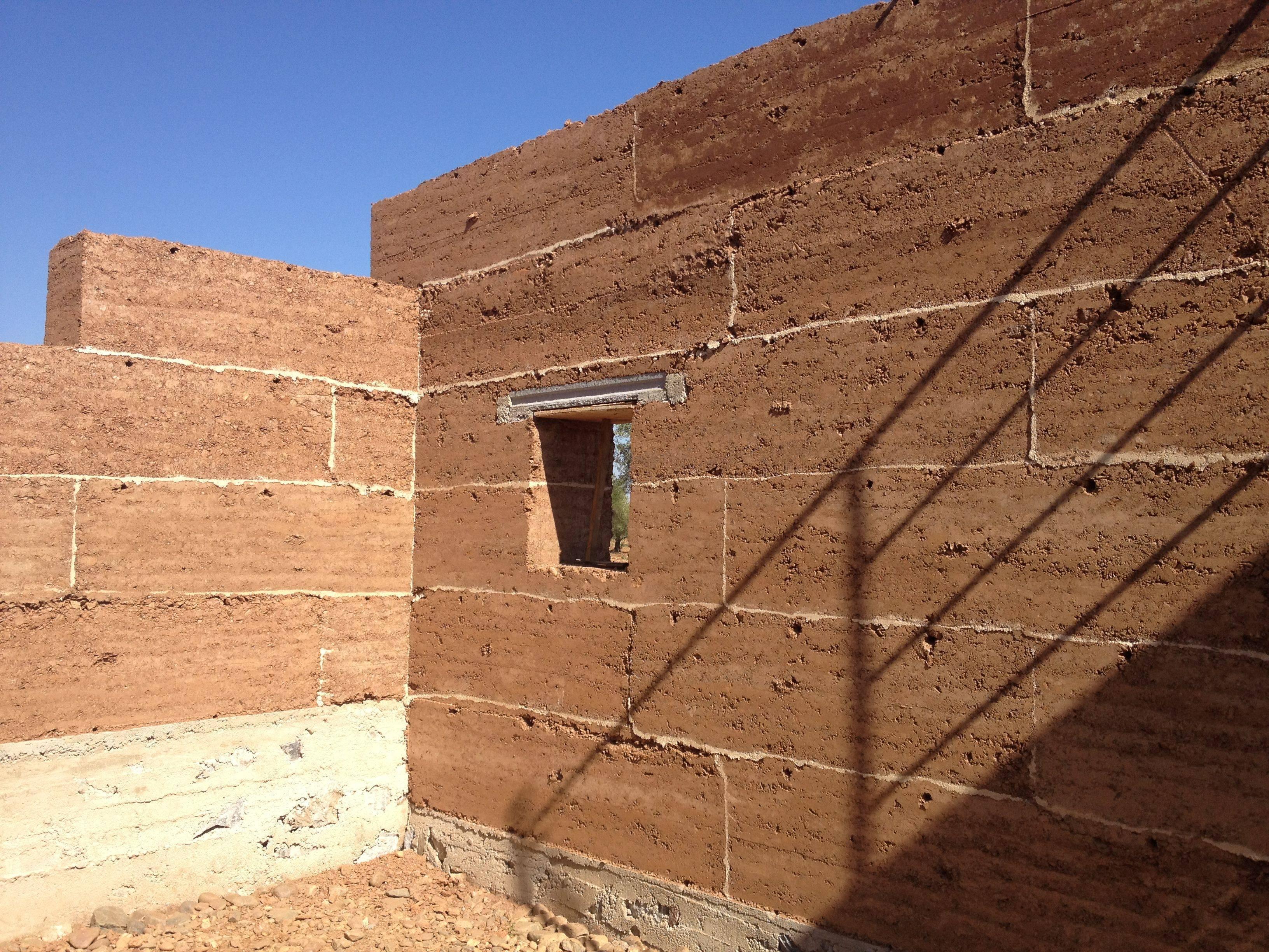 Глинобитный дом — технология строительства своими руками