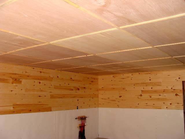 100 лучших вариантов: потолки в деревянном доме фото