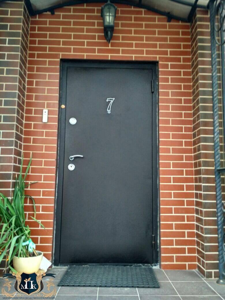 Как выбрать входную дверь в частный дом — рейтинг лучших вариантов уличных дверей