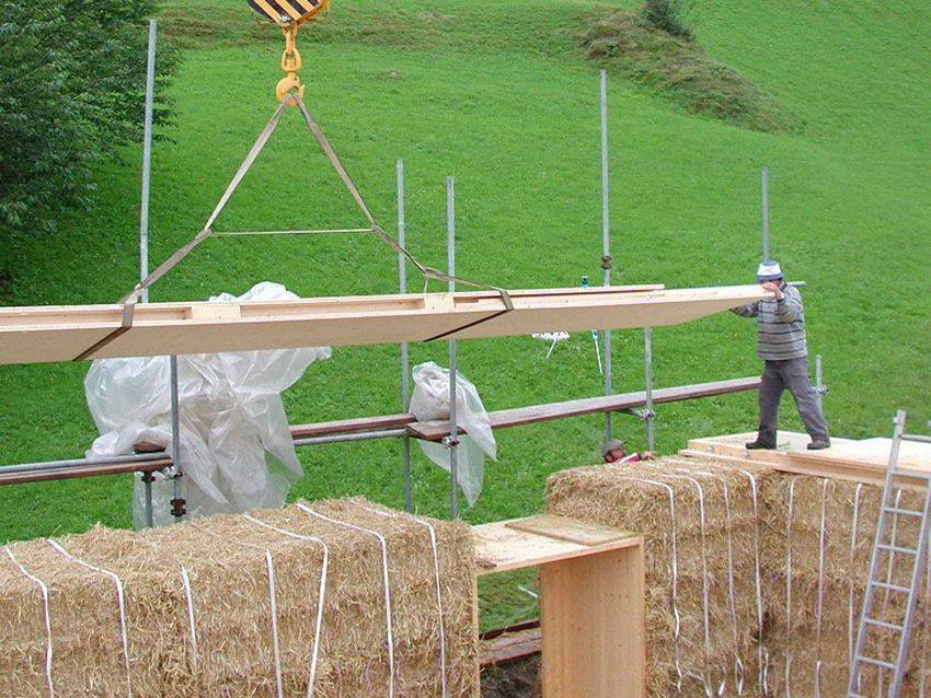 Проекты и строительство дома из соломы и глины своими руками