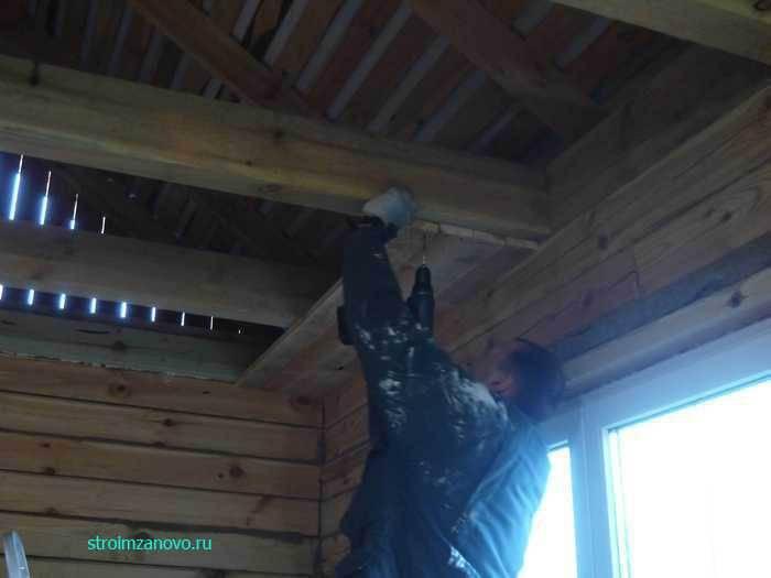 ????подшивка чернового потолка в частном доме по деревянным балкам - блог о строительстве