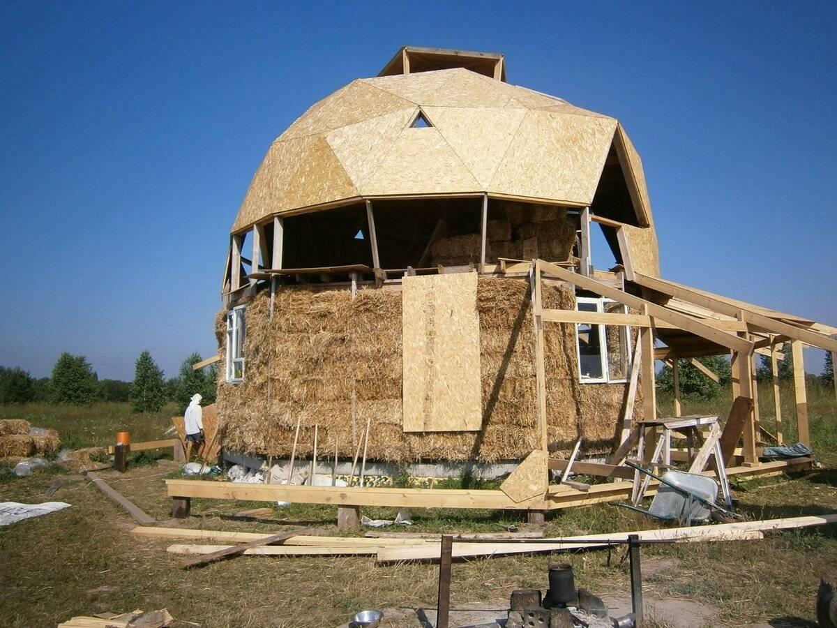 Дом из соломы: основные этапы возведения