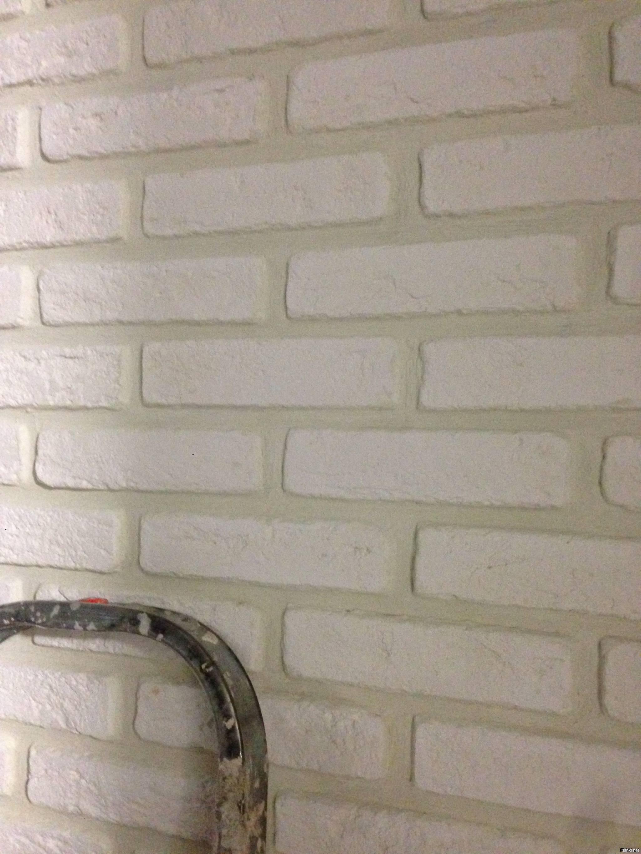 Делаем имитацию кирпича на стене простыми способами
