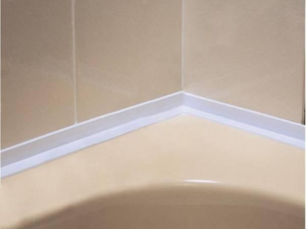 Бордюры для ванны — технология монтажа пластикового и керамического уголка