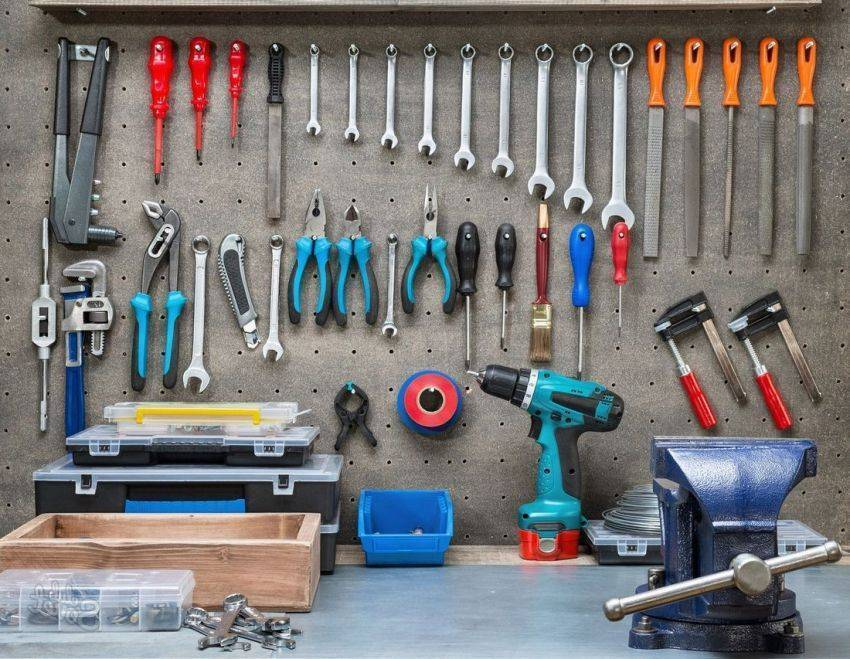 Самоделки для гаража – как сделать жизнь автолюбителя легче?