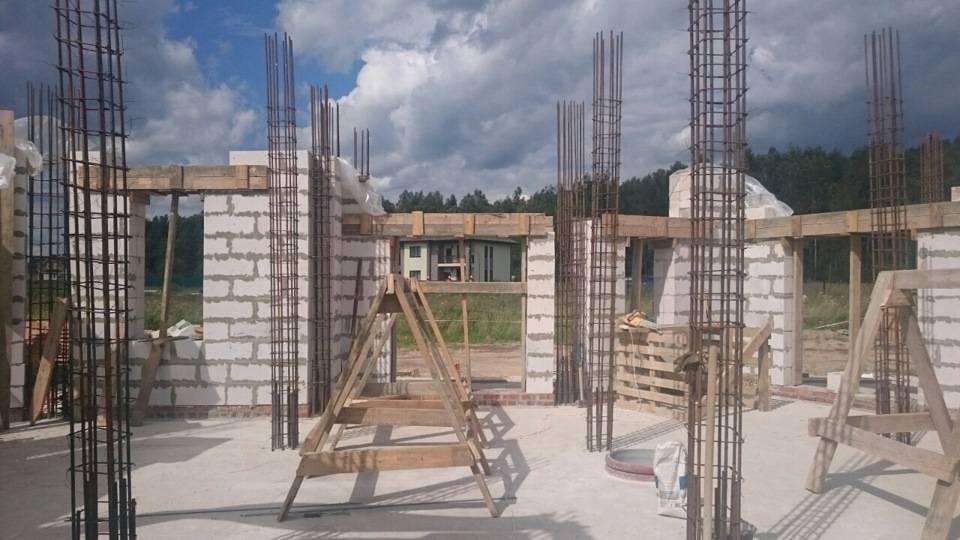 Монолитный каркас частного дома: плюсы и минусы, как построить своими руками?