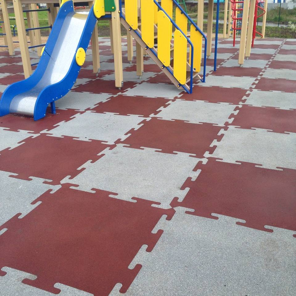 Резиновое покрытие для детских площадок: требования к материалам