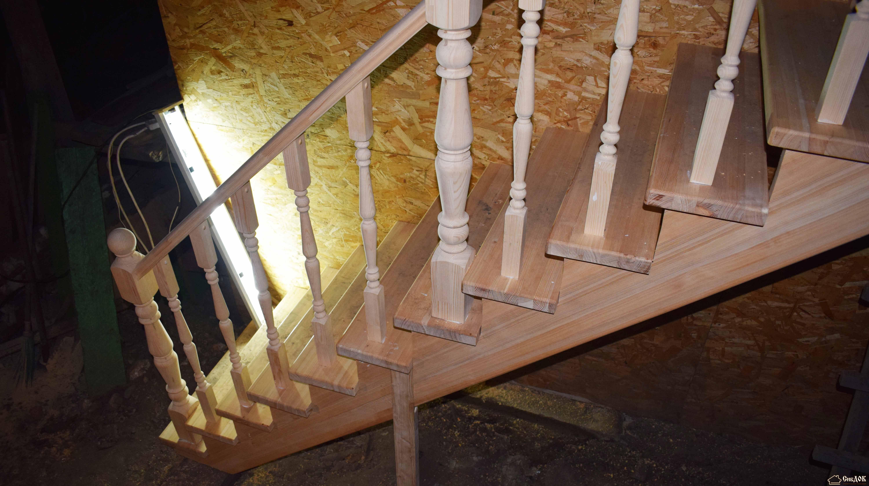 Как крепить балясины лестницы к ступеням и перилам