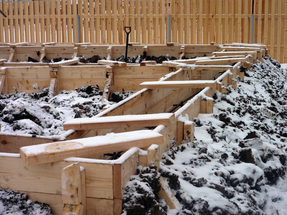 Можно ли заливать фундамент зимой: особенности, технология и методы