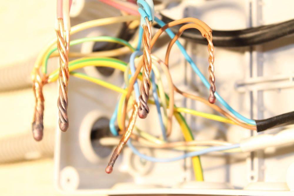Соединение электрических проводов — 8 лучших способов
