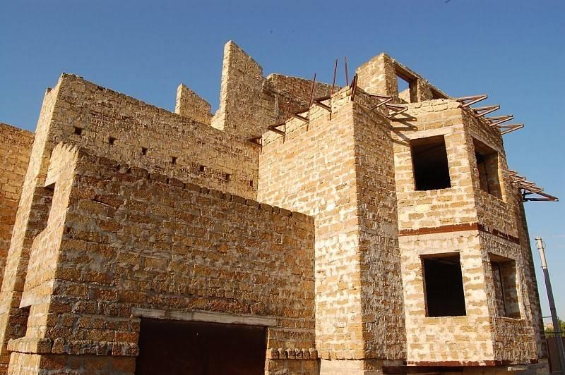 Достоинства, недостатки и характеристики ракушняка, как строительного материала