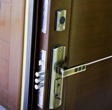 Как отрегулировать входную дверь: из металла, пвх. регулировка пластиковых дверей – как обойтись без дорогостоящих мастеров