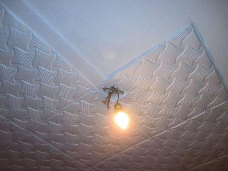 Как клеить потолочную плитку своими руками - инструкция, фото