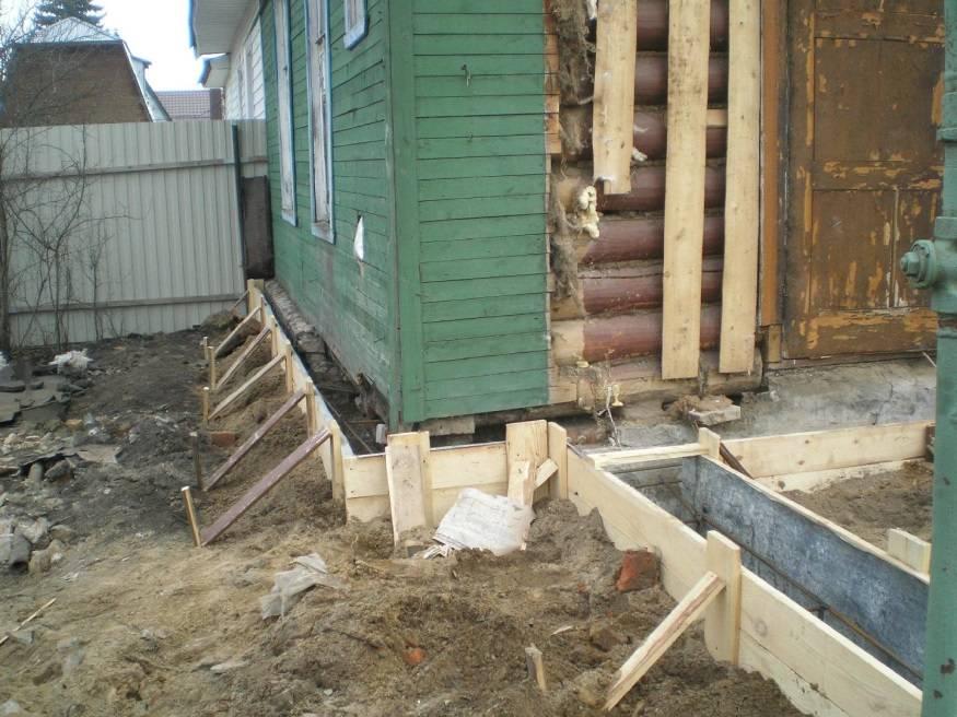 Подъем дома с заменой фундамента