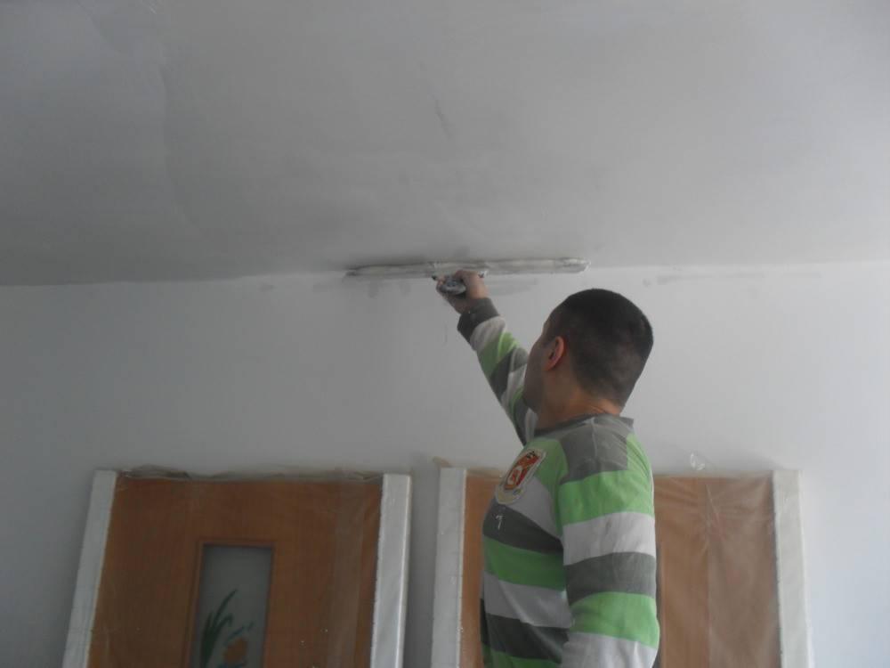 Как правильно шпаклевать гипсокартон на потолке под покраску видео уроки