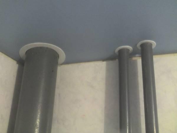 Как правильно делать отверстия в натяжном потолке