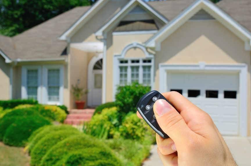 Как собрать видеонаблюдение для частного дома через смартфон: анализ 5 схем подключения, которые позволяют контролировать территорию, предотвращают хищение имущества.