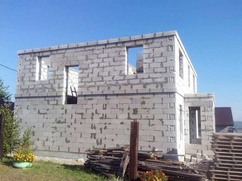 Из чего лучше строить дом: обзор популярных материалов